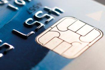 Gros plan sur une carte de crédit.
