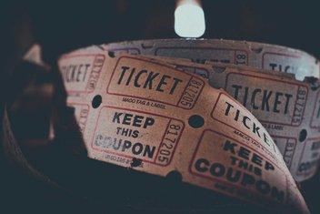 Bobine de coupons d'entrées pour un évènement.